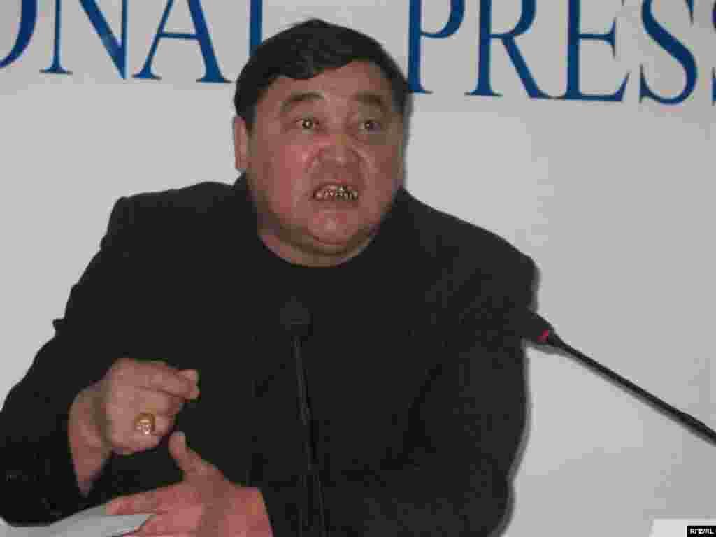 Рамазан Есиргепов - один из пионеров независимой журналистики Казахстана. Алматы, ноябрь 2008 года. - Рамазан Есиргепов - один из пионеров независимой журналистики Казахстана. Алматы, ноябрь 2008 года.