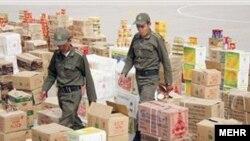 در ایران سالانه گزارشهای متعددی از کشف و ضبط انواع کالا و ارز قاچاق در مبادی ورودی ایران منتشر میشود