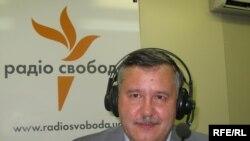Анатолій Гриценко у студії Радіо Свобода