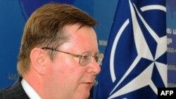 Спецпредставитель генерального секретаря НАТО на Кавказе и в Центральной Азии, посол Роберт Симмонс
