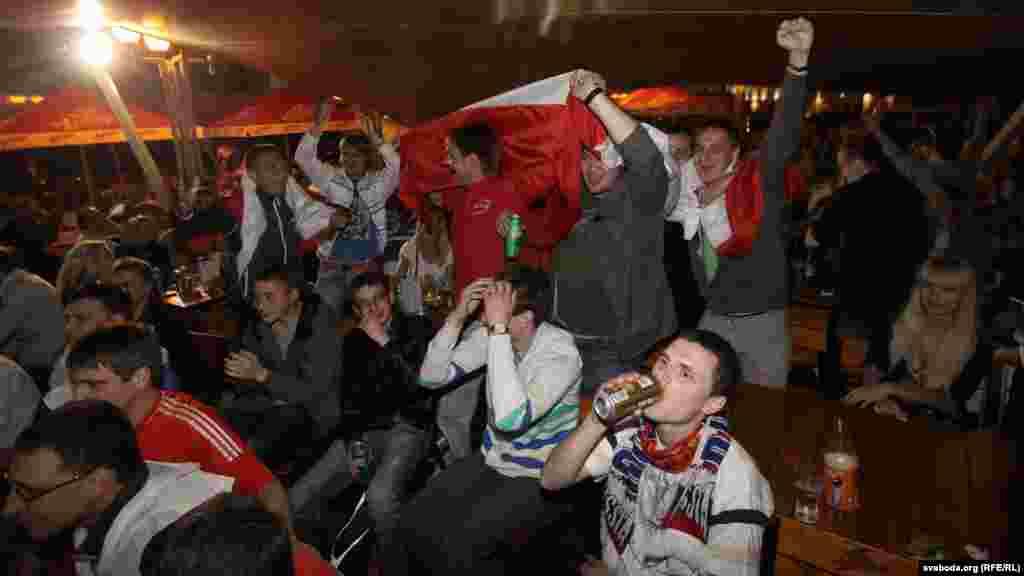 Belarus - Football fans in a pub in Minsk, 12Jun2012