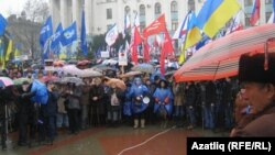 As this pro-government, pro-Russia rally in the Crimean city of Simferopol late last month indicates, there is still plenty of opposition to the Maidan protest movement in southern and eastern Ukraine.