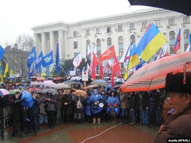 На фоне украинского кризиса в Крыму растет пророссийский сепаратизм
