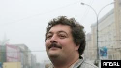 Дмитрий Быков: «Писатели едут показывать себя и свои книги, едут встречаться с аудиторией и миссия это не столько писательская, сколько культуртрегерская»