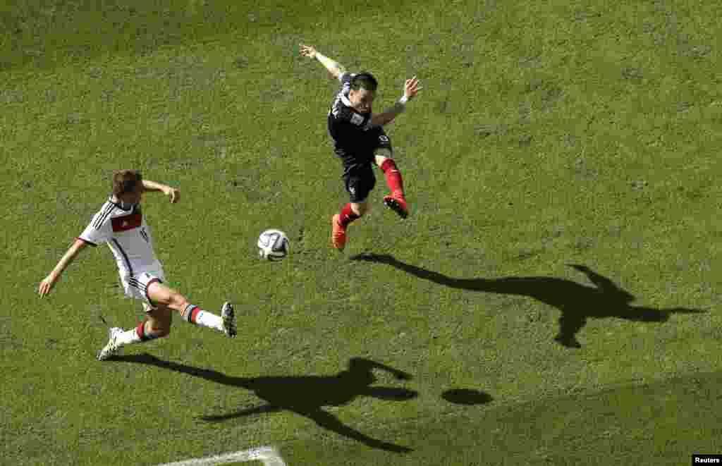 Fransa-Almaniya – 0:1. Mathieu Valbuena vs. Philipp Lahm.