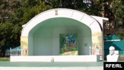 Открытая сцена сада «Эрмитаж». Здесь пройдет джазовый фестиваль
