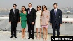 Алиевдердин үй-бүлөсү