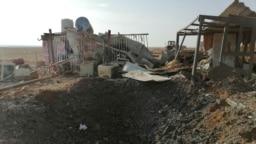آمریکا روز یکشنبه به پایگاههای کتائب حزب الله، یک گروه شبه نظامی مورد حمایت ایران در عراق، حمله کرد. در تصویر محل یکی از حملات در قائم، نزدیک مرز سوریه