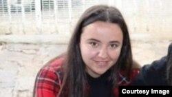 Драгана Чучурска, волонтерка во беровско здружение за заштита на животни Про Анима
