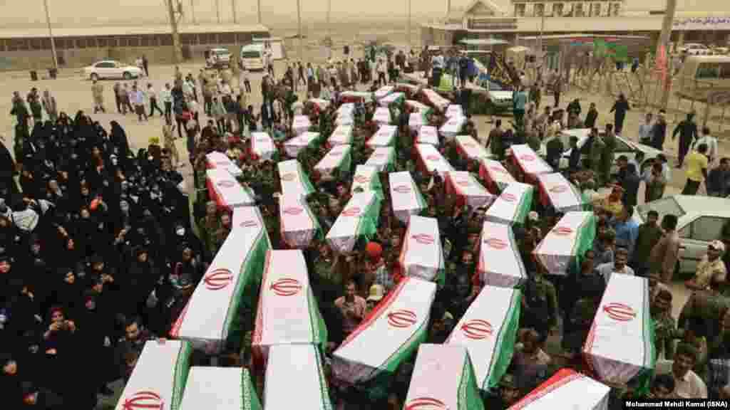 تبادل کشتههای جنگ ایران و عراق در مرز شلمچه