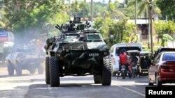 Напад стався на тлі боротьби армії країни проти бойовиків, пов'язаних з екстремістським угрупованням «Ісламська держава», за контроль над населеним переважно мусульманами містом Мараві на південному острові Мінданао