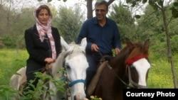 Фотография, опубликованная Резой Ханданом после звонка его жене со стороны министерства разведки.