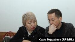Асет Абишев (аз рост)