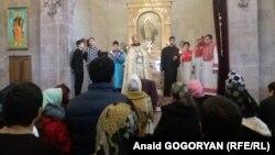 Служба в армянском храме в Гагре