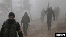 Luftëtarët e Ushtrisë së Lirë Siriane të mbështetur nga Turqia