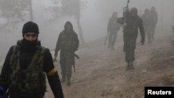"""Африндин түндүгүндөгү Түркия колдогон """"Эркин Сирия армиясынын"""" мүчөлөрү, 23-январь 2018-жыл."""