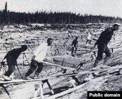 Заключенные на строительстве Беломорканала, 1932