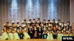 Облыстық филармонияның қазақ ұлт аспаптары оркестрі. Қостанай, маусым, 2009 жыл.