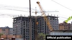 Строительство в Бишкеке. Архивное фото.