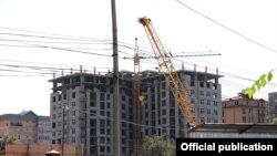 Бишкекте курулуп жаткан үйлөр