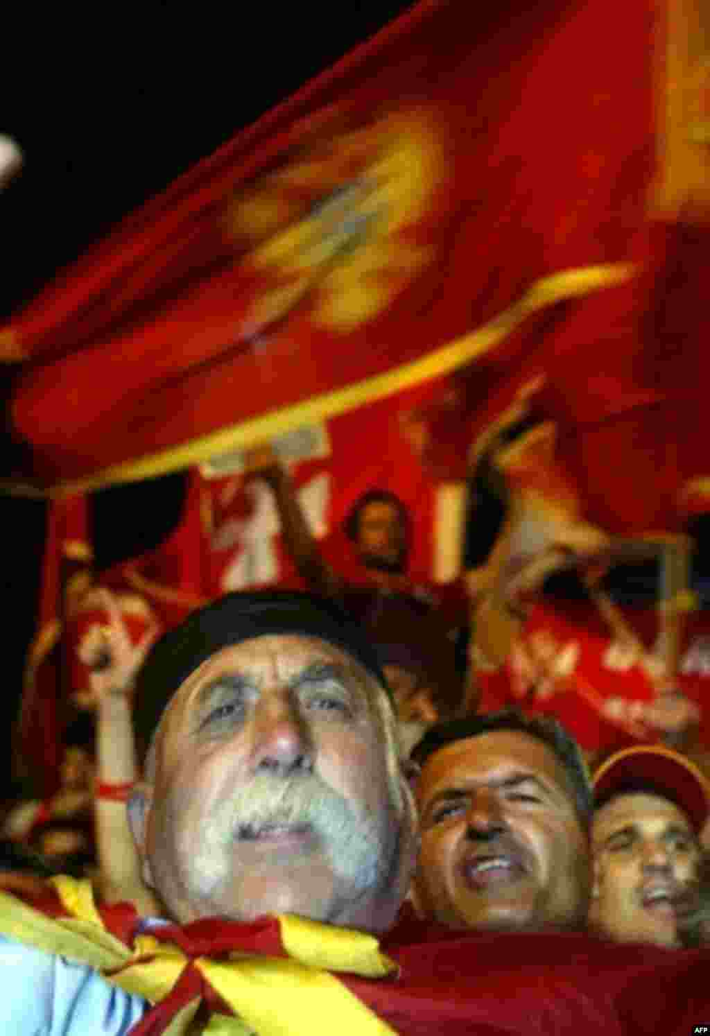 Pro-independence supporters in Cetinje celebrate after Montenegrins narrowly voted for independence from Serbia (AFP) - Milosevic died before he could see the former Yugoslavia splinter again. In early 2002, Serbia and Montenegro loosened their ties, and in May 2006, Montenegrins decided the remaining bonds were still too tight. It seemed that Montenegro might just be followed by Kosovo, but by the end of 2006 the future status of Serbia's UN-protected largely ethnic-Albanian province was still unclear.
