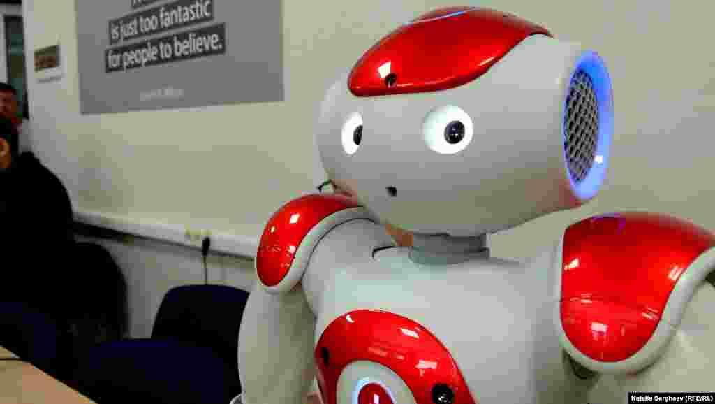Robotul Eva