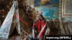 Манекен в образе индейца в музее табака в Табачном