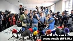 Osećamo da sistem jednostavno ne želi da nas zaštiti: Stevan Dojčinović, urednik portala KRIK (na slici: predstavnici sedme sile, Beograd)