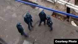 Шаҳрисабзлик ўсмир милиционерлар томонидан калтакланиши оқибатида нобуд бўлгани айтилмоқда.