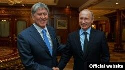 Almazbek Atambaev və Vladimir Putin