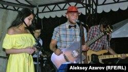 Выступление группы «Рокфеллер» на концерте в память о Викторе Цое. Алматинская область, 28 июня 2014 года.