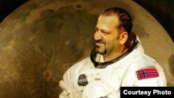 شهرام آریافر، دومین ایرانی در راه فضا