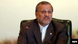 آقای متکی می گوید که تعلیق غنی سازی اورانیوم در دستور کار ایران نیست.