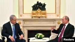 Владимир Путин жана Биньямин Нетаньяху Москвада жолуккан учур. 11-июль, 2018-жыл.