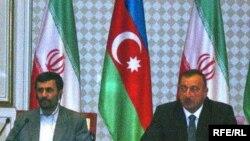 محمود احمدی نژاد و الهام علی يف همتای آذربايجانی وی در طول اقامت دو روزه رييس جمهوری ايران در باکو، پنج قرارداد همکاری در زمينه انرژی، پتروشيمی، هيدروالکتريک و زمينه های ديگر امضاء کردند.