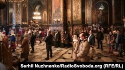 Владимирский собор в Киеве во время православной Пасхи