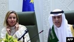 فدریکا موگرینی، در زمان بازدید از عربستان سعودی در مرداد امسال