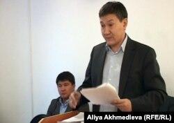 Тимур Нугманов, адвокат депутата Азата Перуашева, в суде. Талдыкорган, 5 февраля 2013 года.