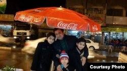 Mohammad uşaqları ilə, Bağdad, Iraq