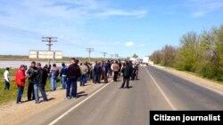 3 травня: кримські татари зустрічають Мустафу Джемілєва на кордоні Криму й Херсонської області України
