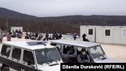 """Izmještanje migranata u kamp """"Lipa"""", 21. april"""