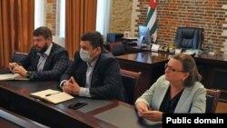 В Абхазию на один день прибыли два представителя Минздрава Краснодарского края и врач-инфекционист из Москвы