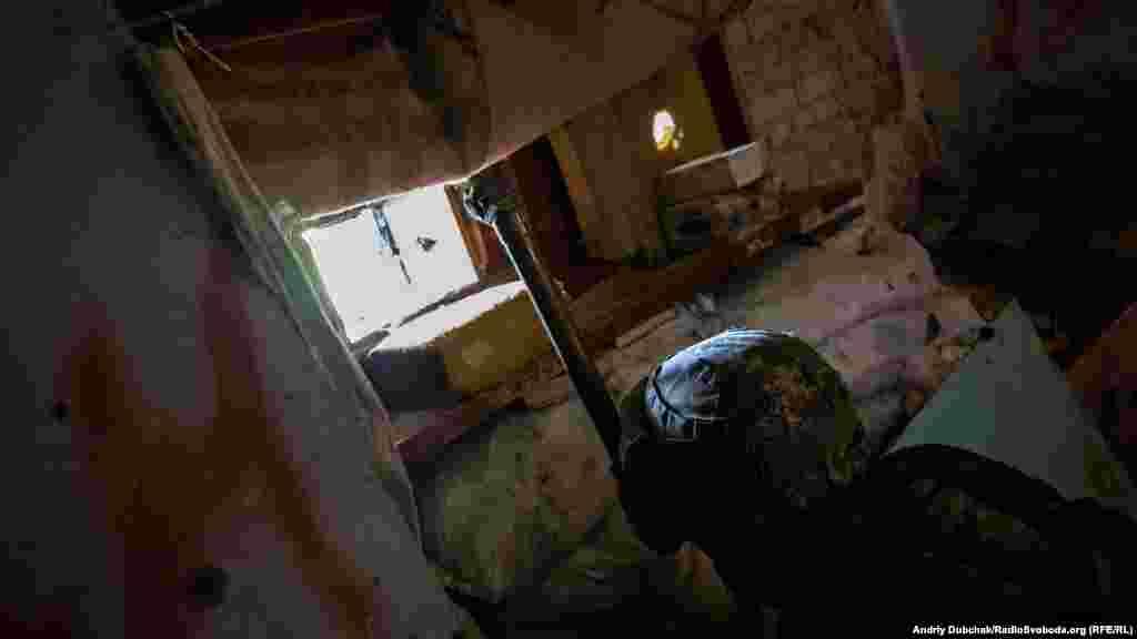 Аби не потрапити під снайперський вогонь під час спостереження за активністю противника, «Ряба» використовує трубу розвідника (працює за принципом перископа)