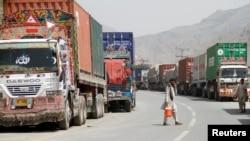 دې وروستيوو کې د افغانستان او پاکستان ترمنځ تجارت ډير خراب شوی دی