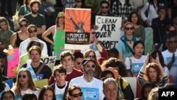 Activişti de mediu la Los Angeles, în prima zi a conferinţei de la Paris pentru reducerea încălzii globale, 29 noiembrie 2015