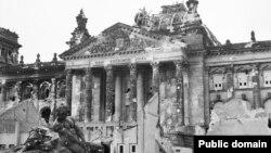 Руины Рейхстага. Берлин, 3 июня 1945