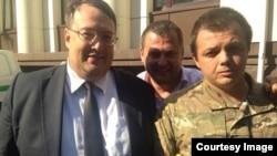 Семен Семенченко (праворуч)