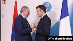 Armenian Prime Minister Nikol Pashinian meeting with French President Emmanuel Macron in Paris, November 12, 2019