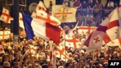 Единение грузин вокруг национального лидера может оказаться весьма обманчивым