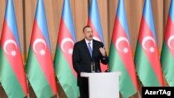 Ադրբեջանի նախագահ Իլհամ Ալիևը ելույթ է ունենում Հանրապետության տոնին նվիրված ընդունելությանը, Բաքու, 27-ը մայիսի, 2015թ․